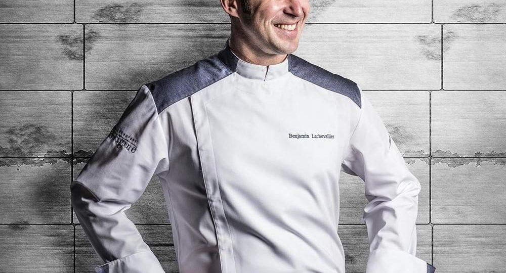 yale-white-long-sleeve-european-modern-chef-coat-mens_1200x1200